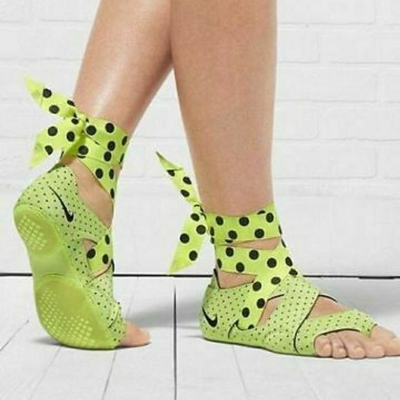 Nike Shoes Yoga Wrap Poshmark
